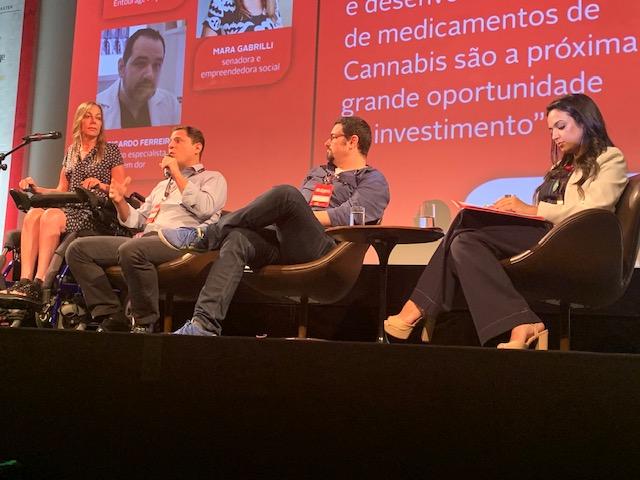 Painel 4: da esq. para dir., a senadora Mara Gabrilli e Caio Abreu ,CEO da Entourage